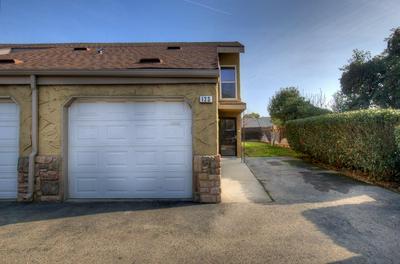7166 N FRUIT AVE APT 123, Fresno, CA 93711 - Photo 2