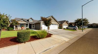 3044 N CARRIAGE AVE, Fresno, CA 93727 - Photo 2