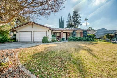 1231 W FLORA AVE, Reedley, CA 93654 - Photo 1