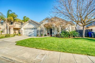 9764 N WHITNEY AVE, Fresno, CA 93720 - Photo 2
