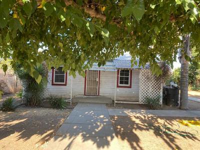 750 N KADY AVE, Reedley, CA 93654 - Photo 2