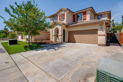 3199 N REDDA RD, Fresno, CA 93737 - Photo 1