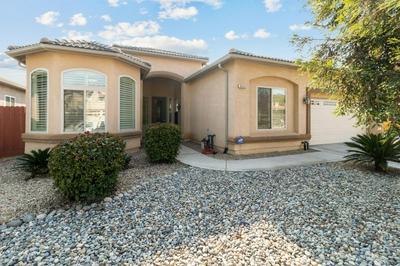 5836 E ERIN AVE, Fresno, CA 93727 - Photo 2