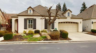 75 W PRESCOTT AVE, Clovis, CA 93619 - Photo 1