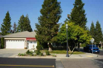 2373 DEAUVILLE CIR, Clovis, CA 93619 - Photo 2