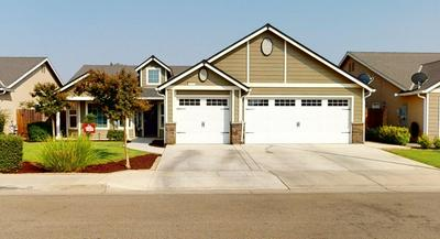 3044 N CARRIAGE AVE, Fresno, CA 93727 - Photo 1