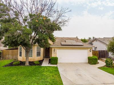 2415 S MANILA AVE, Fresno, CA 93727 - Photo 2