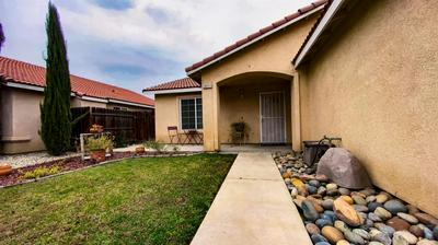 10711 ASTER CIR, Armona, CA 93202 - Photo 2