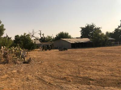 1532 E MYRTLE AVE, Reedley, CA 93654 - Photo 2