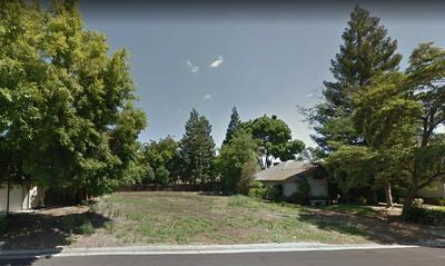 262 BREHLER AVE, Sanger, CA 93657 - Photo 1