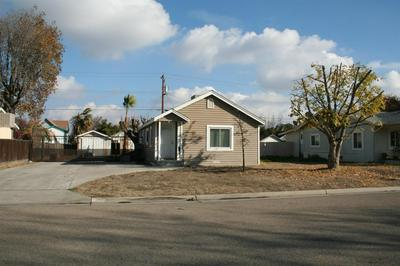 2714 C ST, Selma, CA 93662 - Photo 2