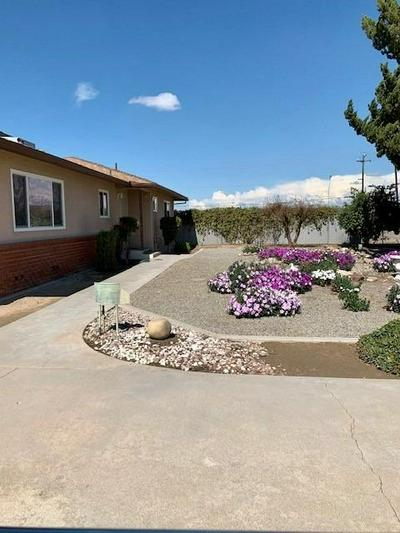 3037 S MINNEWAWA AVE, Fresno, CA 93725 - Photo 2