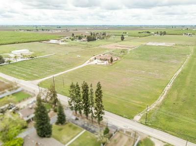 1661 N GRANTLAND AVE, Fresno, CA 93723 - Photo 2