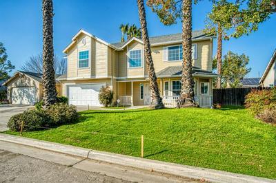 5298 W GARLAND AVE, Fresno, CA 93722 - Photo 1