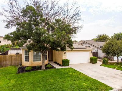 2415 S MANILA AVE, Fresno, CA 93727 - Photo 1