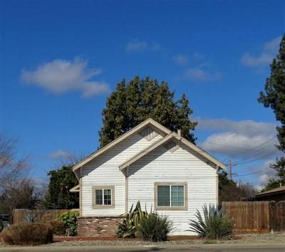 924 SAN JOAQUIN CIR, Reedley, CA 93654 - Photo 1