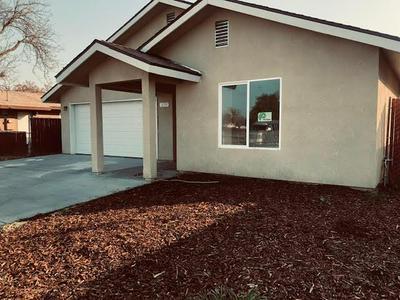 2468 S PRICE AVE, Fresno, CA 93725 - Photo 2