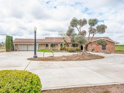 1661 N GRANTLAND AVE, Fresno, CA 93723 - Photo 1