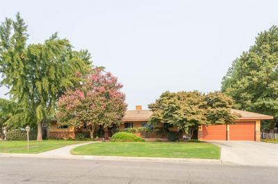 2456 17TH AVE, Kingsburg, CA 93631 - Photo 2