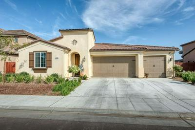 3587 DESCANSO AVE, Clovis, CA 93619 - Photo 2