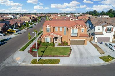 1126 N VICKIE CT, Visalia, CA 93291 - Photo 2