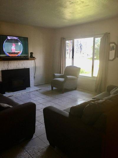 2902 E HOLLAND AVE, Fresno, CA 93726 - Photo 2