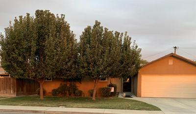 1704 DE WITT AVE, Sanger, CA 93657 - Photo 1