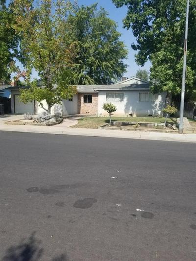 1681 BEVERLY AVE, Clovis, CA 93611 - Photo 1