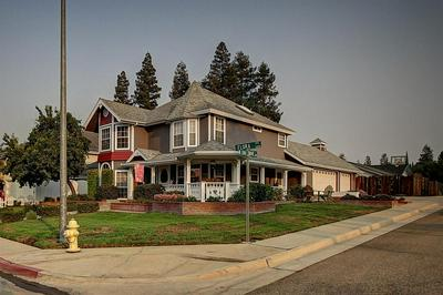 1468 W FLORA AVE, Reedley, CA 93654 - Photo 2