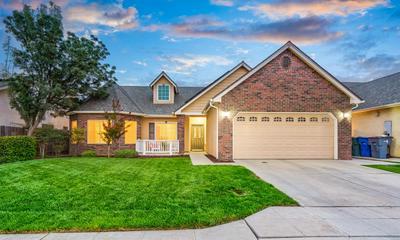 6564 E LIBERTY AVE, Fresno, CA 93727 - Photo 1