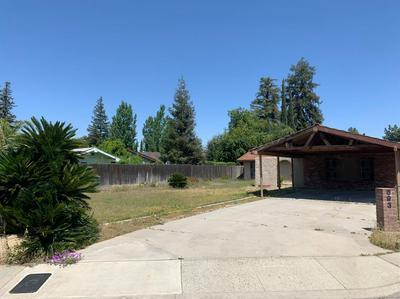 693 N 7TH ST, Fowler, CA 93625 - Photo 2