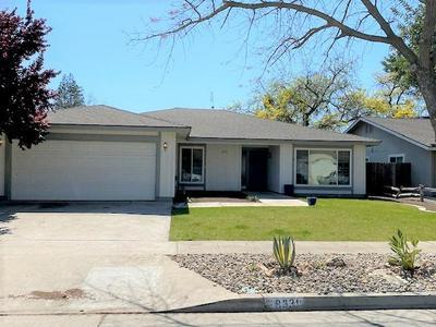 8331 N RAISINA AVE, Fresno, CA 93720 - Photo 1