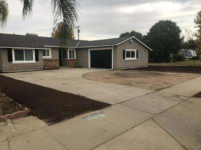 795 E ADELAIDE WAY, Dinuba, CA 93618 - Photo 1