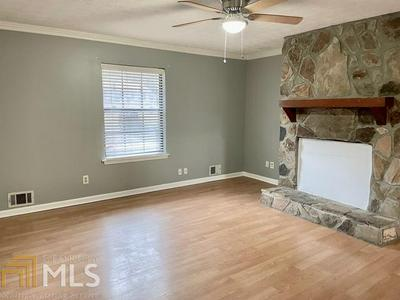 215 WYNNMEADE PKWY, Peachtree City, GA 30269 - Photo 2