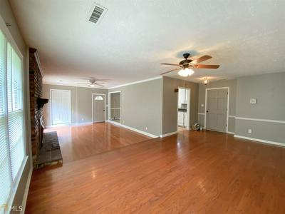 106 WESTLAKE DR, LAGRANGE, GA 30240 - Photo 2