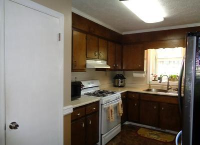 126 LOUMAE RD, Griffin, GA 30224 - Photo 2