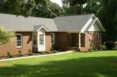 215 FIRETHORN LN, Fayetteville, GA 30215 - Photo 2