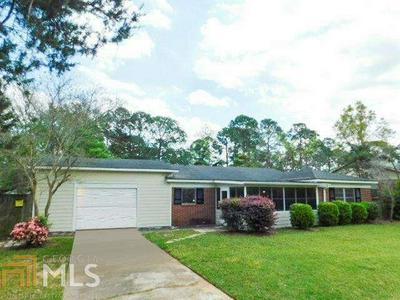 2002 DONCASTER DR, Albany, GA 31707 - Photo 1