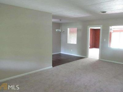 2002 DONCASTER DR, Albany, GA 31707 - Photo 2