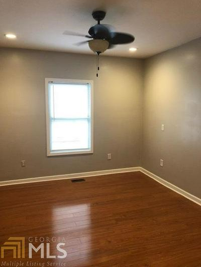 1054 WEST AVE SW, Atlanta, GA 30315 - Photo 2