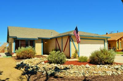 39081 DIANRON RD, Palmdale, CA 93551 - Photo 2