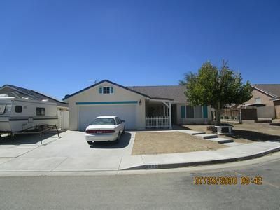 3950 PALOMA CT, Rosamond, CA 93560 - Photo 2