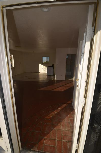 31555 LONGVIEW RD, Pearblossom, CA 93553 - Photo 2