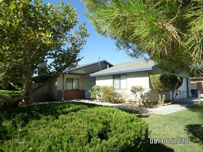7424 HEATHER AVE, California City, CA 93505 - Photo 2