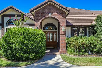 5925 ALLEPPO LN, Palmdale, CA 93551 - Photo 2