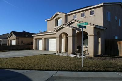 3305 BRABHAM AVE, Rosamond, CA 93560 - Photo 2