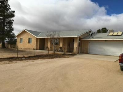 243 E BALBOA AVE, Mojave, CA 93501 - Photo 1