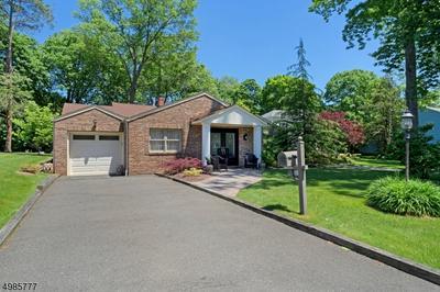 688 GALLOWS HILL RD, Cranford Township, NJ 07016 - Photo 2