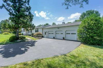 1 FIELDHEDGE DR, Hillsborough Twp., NJ 08844 - Photo 2