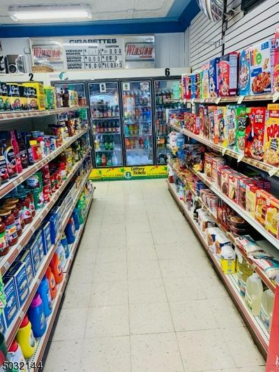 215 E WESTFIELD AVE, Roselle Park Boro, NJ 07204 - Photo 2